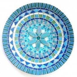 Assiette turquoise en mosaïque