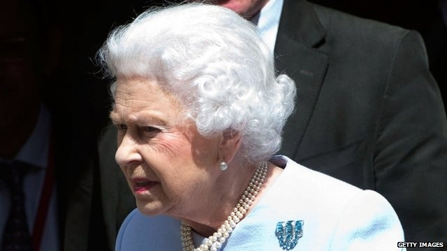 BBC News - Trooping the Colour marks the Queen's official birthday
