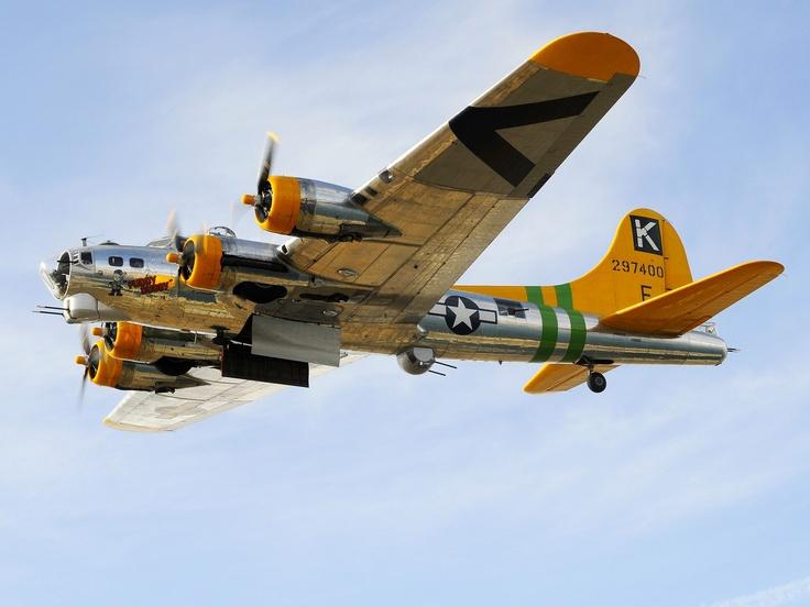 """B-17 Flying Fortress """"Fuddy Duddy"""""""