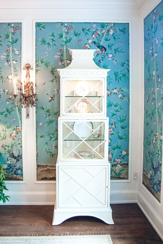 Chinoiserie Dining Room With Aqua Wallpaper And White Crown Moulding.  Www.pencilshavingsstudio.com