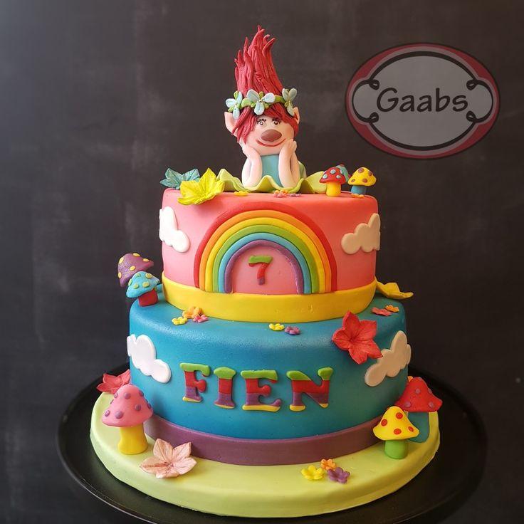 Colourful Trolls Poppy cake