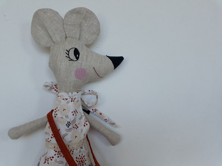 softie mouse, tooth fairy mouse, made of linen and cotton, handmade by Abricot-et-lavande.ch