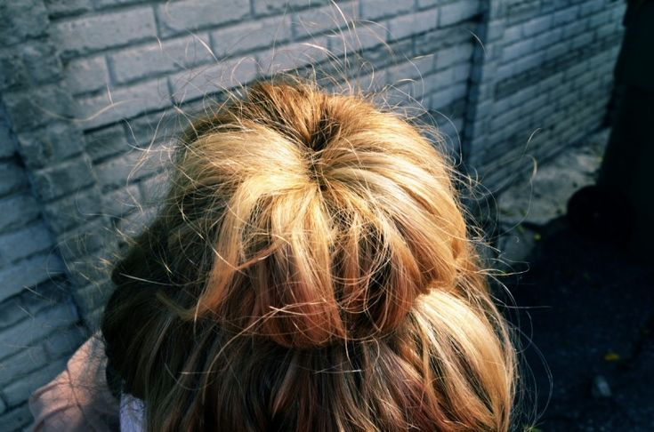 sock bun : curly-hairstyles