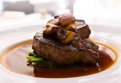 Filet mignon, sauce aux champignons et au porto; une recette gagnante.