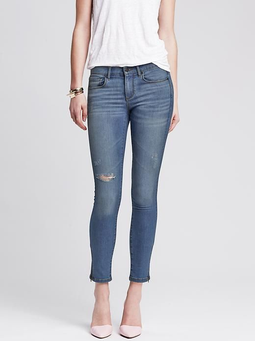 7 Tips to Finding the Most Flattering Jeans for Your Body Shape