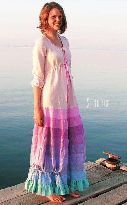 Купить или заказать Свадебное платье из льна в интернет-магазине на Ярмарке Мастеров. Длинное, женственное платье невесты с нежной, розово-сиреневой гаммой юбки. Может быть так же и подвенечным платьем. В дополнение к нему м…