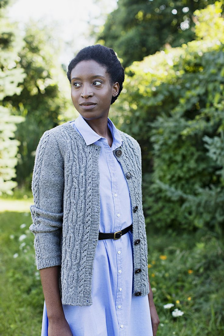 Fairifield is they type of garment you can throw on over just about anything to ward off the cooler temperatures of early Fall. The round neckline and A-line silhouette give the sweater a casual feel. The reverse stockinette fabric and 1×1 ribbed trims create a subtle backdrop for beautiful cable & lace detailing. Instructions are …