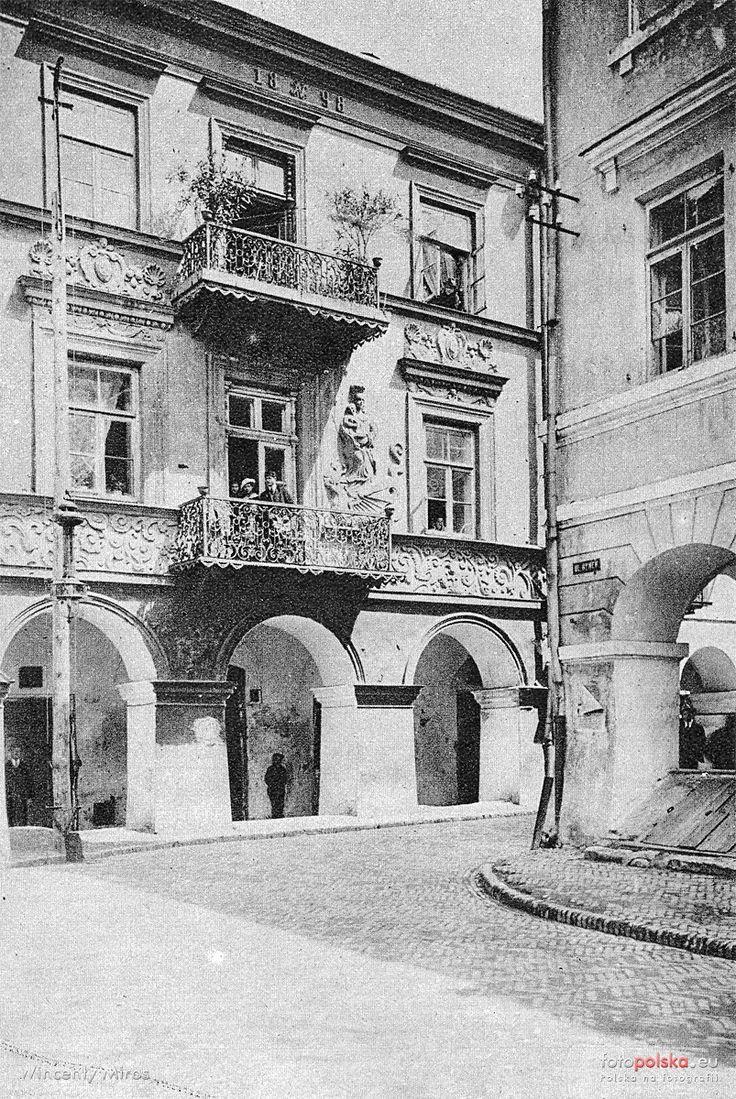 Lata 1920-1925 , Zamość. Ulica Ormiańska 22 - kamienica'' Pod Madonną''.