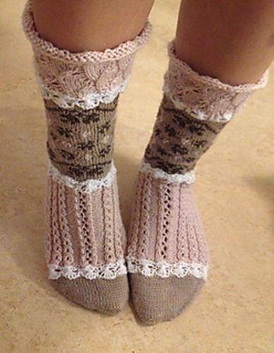 Ravelry: Söta rosa sockor pattern by Emelie Brändström