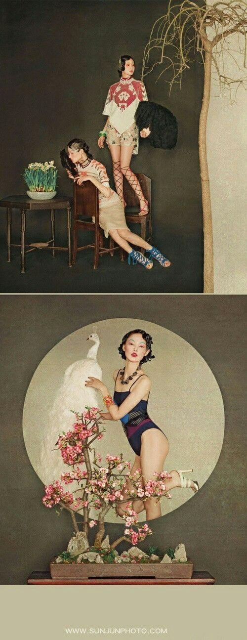 Photographer Sun Jun.  Sun Jun은 상하이에서 활동하는 중국의 패션 포토그래퍼입니다. Sun Jun은 패션과 전통을 독특한 시각으로 스타일링해 선보인다고 하네요 7살 때부터 전통적인 중국화를 배우기 시작해서인지 사진 작업들이 마치 한 폭의 동양화처럼 느껴지는 사진 작가입니다. 주로 중국 모델, 스타들과 함께 작업하더라고요.    *화질이 좀 안 좋은 사진들도 있음* http://www.sunjunphoto.com/ (더 많은 사진 보시려면) 고전적인 분위기 때문에 중국 사극 드라마 사진들도 많이 찍는 것 같아요.