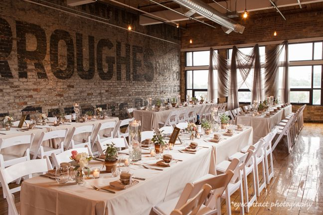A style'n urban chic reception venue located in downtown Toronto, ON, at The Burroughes historical building. Photo: eyecontact photography