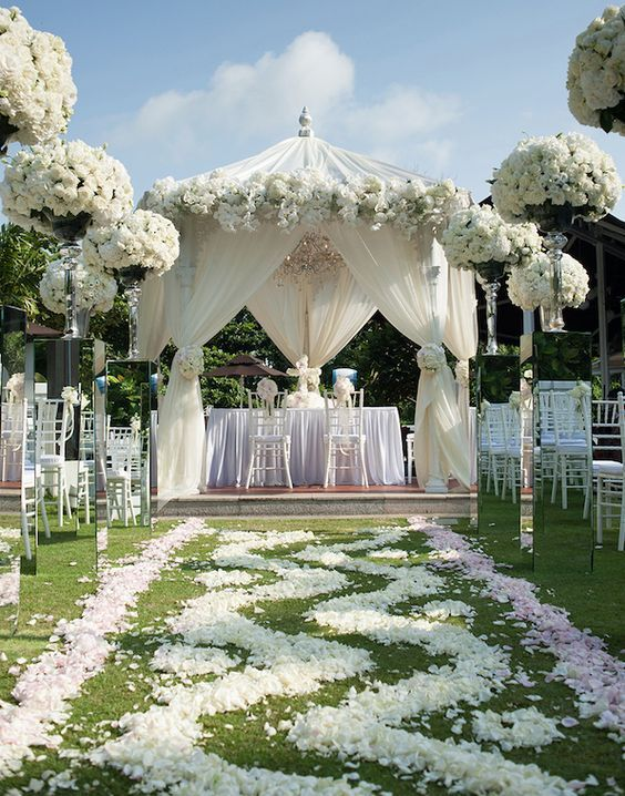 Wedding ceremony idea; Featured Photographer: Tinydot Photography