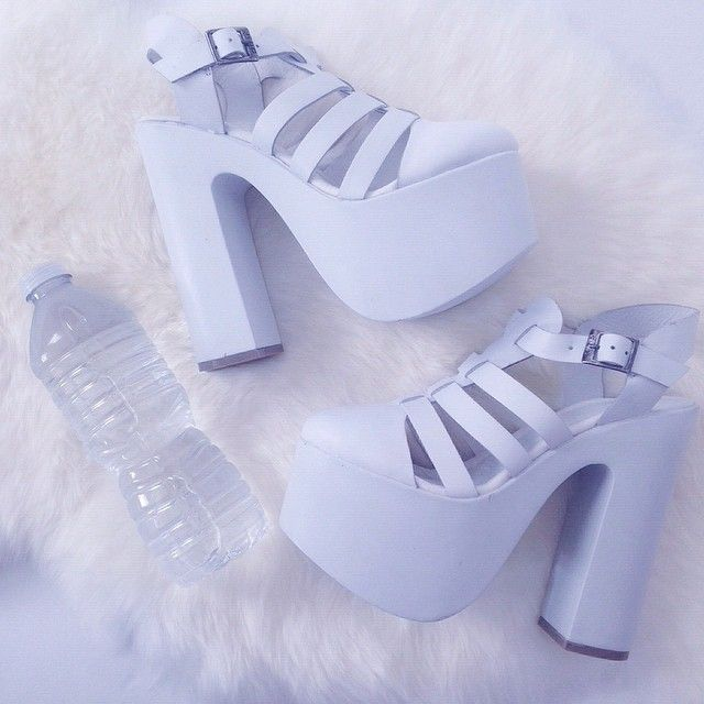 Platform Pastel Blue Shoes - http://ninjacosmico.com/9-fashion-tips-pastel-grunge/