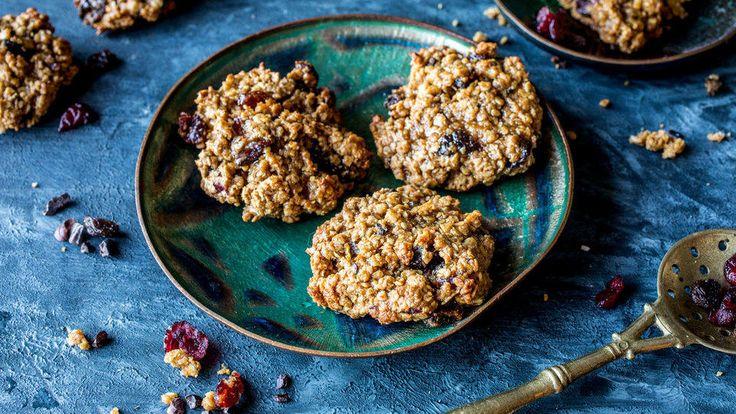 Cookies: Havrekjeks med tranebær, rosiner og kakaobiter