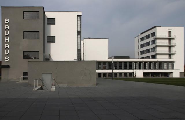 17 best images about architecture bauhaus on pinterest for Pool design dessau