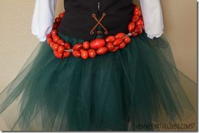 Zarina, The Pirate Fairy Costume Tutorial: The Skirt & Belt | Mommy on the Loose