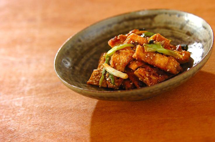 ハチミツを加えるのがポイント。作り置きしておけば、うどんやそばのトッピングやお弁当にも役立つ一品です。油揚げとネギの照り焼き炒め/杉本 亜希子のレシピ。[和食/炒めもの]2016.02.12公開のレシピです。
