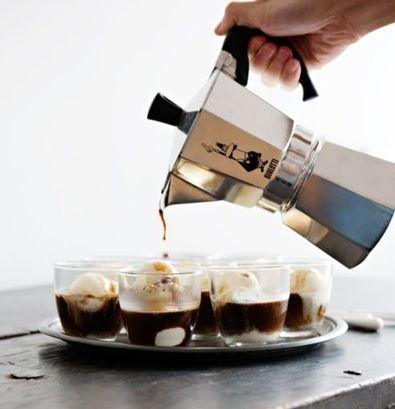 affogato al caffè con gelato fatto in casa...! - coffee on homemade ice-cream...!