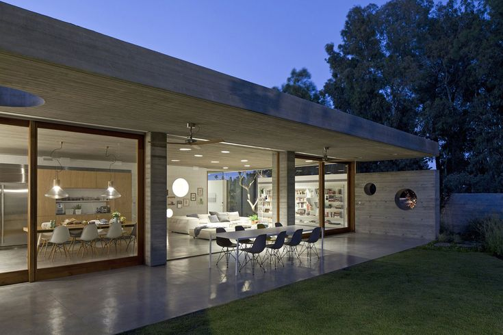 Private residence in Ramat Hasharon, Israel by Pitsou Kedem Architects