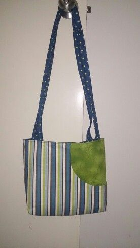 Green / blue strip tote with front pocket.