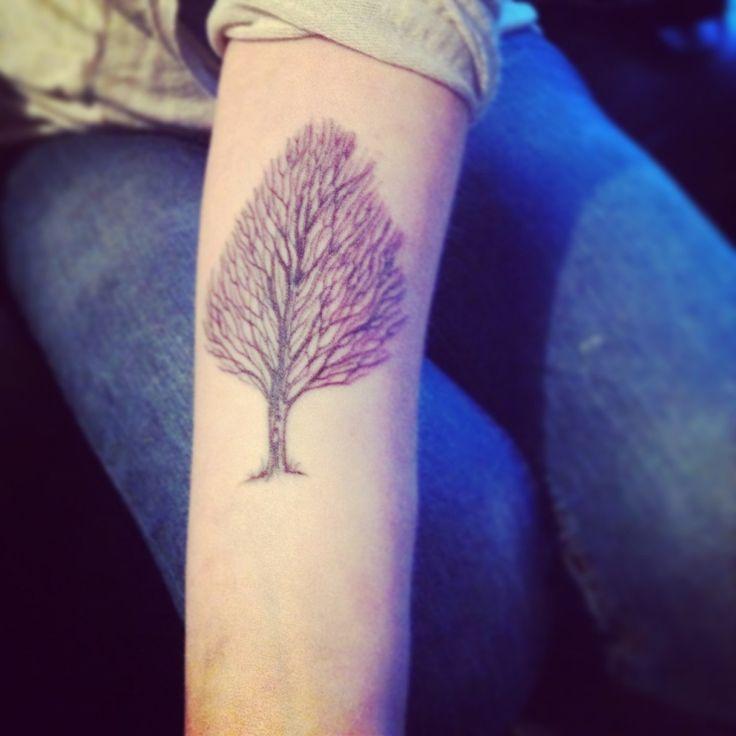 Minimal tree tattoo   http://tattoo-ideas.us/minimal-tree-tattoo/  http://tattoo-ideas.us/wp-content/uploads/2013/06/Minimal-tree-tattoo-1024x1024.jpg