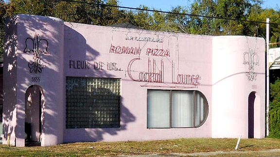 Love Fleur de Lis Pizza in Baton Rouge, LA. It is on Government Street near Jefferson Hwy. Order to be picked up or half baked and cook at home. UNIQUE and great.