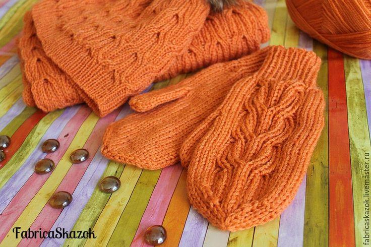 Купить Оранжевые теплые варежки, связанные спицами - однотонный, варежки…