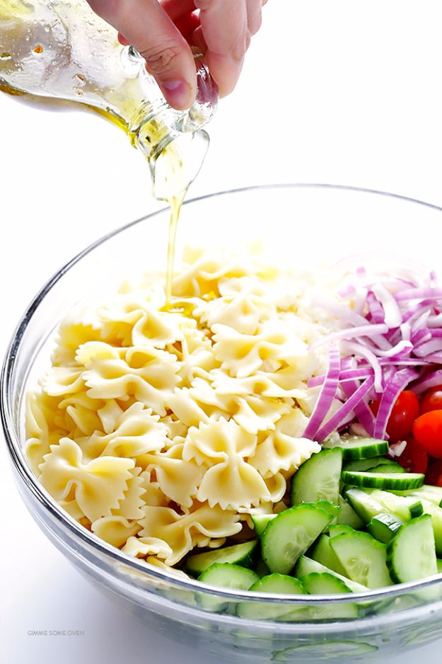 Quick and Healthy Dinner Recipes - Mediterranean Pasta Salad - Easy and Fast Recipe Ideas for Dinners at Home - Chicken, Beef, Ground Meat, Pasta and Vegetarian Options - Cheap Dinner Ideas for Family, for Two , for Last Minute Cooking http://diyjoy.com/quick-healthy-dinner-recipes