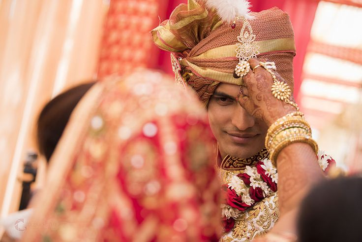 Talking about candid wedding photography. The look of love Photo of Gulzar Sethi