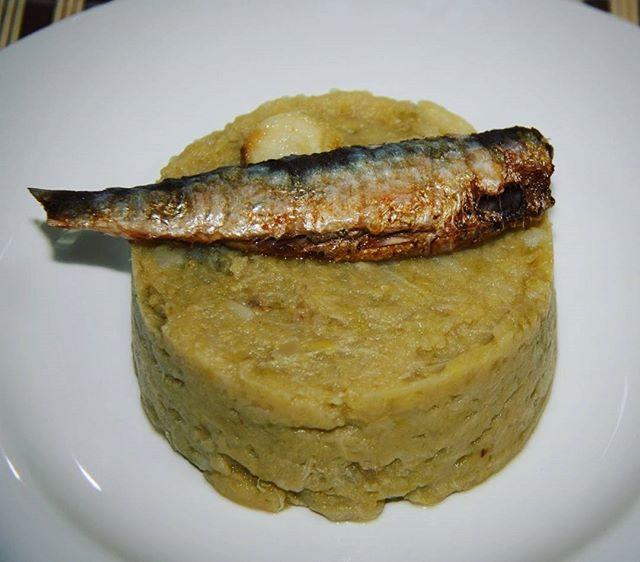 Enlloc d'enterrar la sardina l'hem reservat per acompanyar col sofregida. http://ift.tt/2o9QLzh #benremenat #gastronomia #ebreactiu #recepta #terresdelebre #cuinacatalana