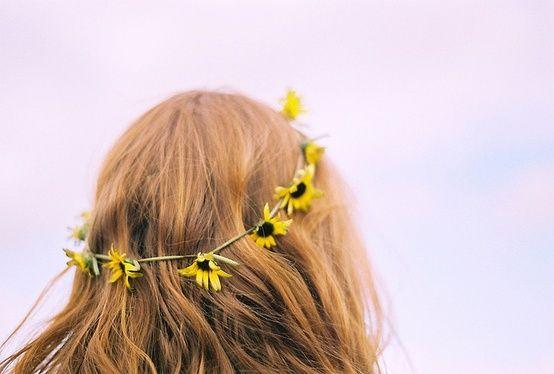 Yağlı Saçın 10 Nedeni - http://pemberuj.net/arsiv/68614/yagli-sacin-10-nedeni/  Yağlı görünen saçların bir kadının moralini ne kadar bozabileceğini biliyoruz, peki yağlanmaya neler sebep olur onları biliyor muyuz? Alkollü Ürünler Alkol içeren saç spreyleri, hacimlendirici ürünler saçınızdaki yağı emer ve saç derinizi daha fazla yağ üretmesi için...