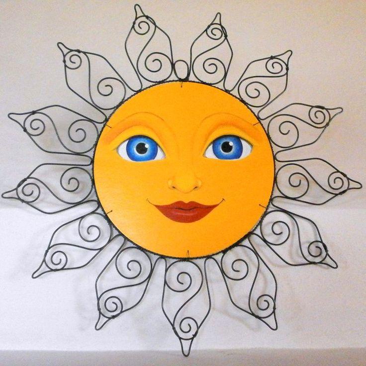 Nebe v očích Sluníčko sice nehřeje,ale určitě rozzáří a ještě více zútulní váš byt ;) Malováno akryl.barvami a přelakováno. Velikost - průměr : 40cm