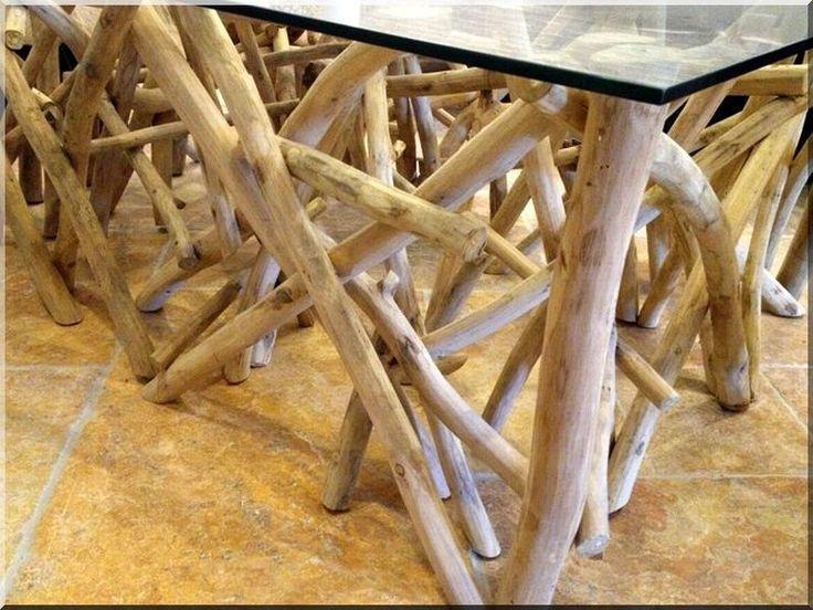 robinienholzstamm