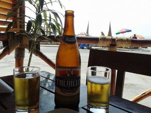 Cerveza Trujillo, Playa de Huanchaco. PERU