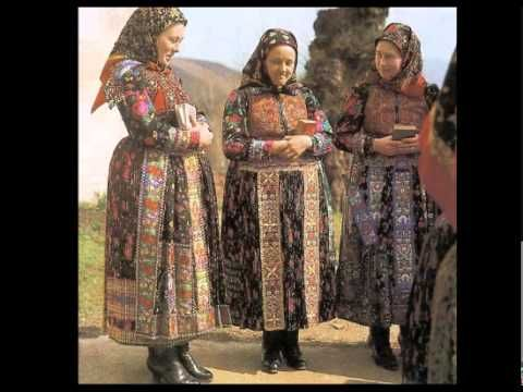 pretty traditions- Hungarian folk music from Transylvania by Arany Zoltán ( kind of mixed historically but nice images.)