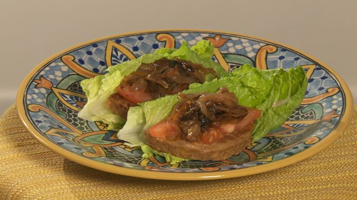 Ryan Scott's Boca Burger Lettuce Wraps with Caramelized Onions | Rachael Ray Show