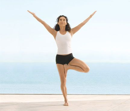 jennifer aniston's mind/body makeover  yoga poses for