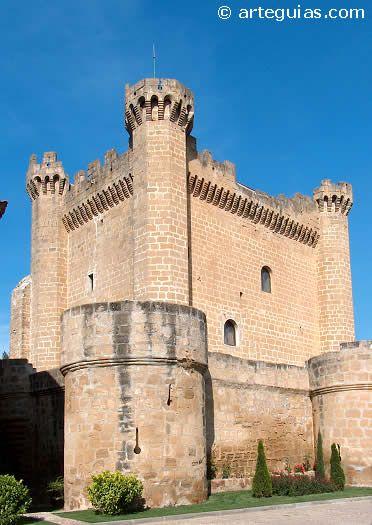 Torre del Homenaje del castillo de Sajazarra, La Rioja, España