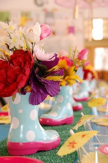 These unique centerpieces are perfect for a spring Bloom-inspired baby shower! #HonestBabyShower