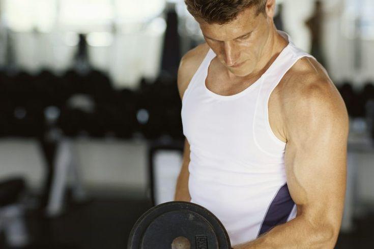 Cómo hacer un entrenamiento de rutina dividida . Organizar tu ejercicios para entrenamiento de peso en rutinas divididas  te permite pasar más tiempo entrenando sobre sobre cierto grupo muscular. Esto es ideal para los levantadores de pesas quienes tratan de desarrollar su masa muscular y que deben ...