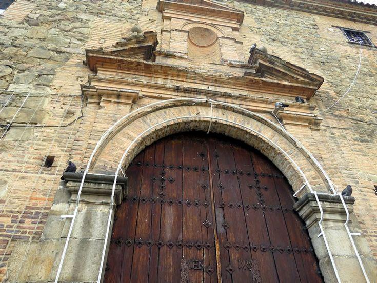7. Puerta de acceso al Museo de Santa Clara: http://www.tuhotelbogota.co/category/plaza-de-bolivar/