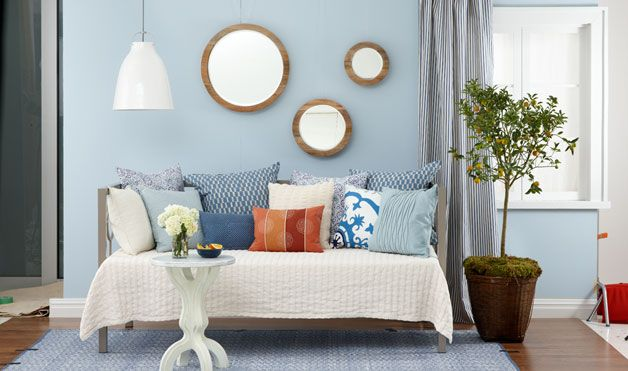 Make a Daybed Work for You   Decorating small spaces ...