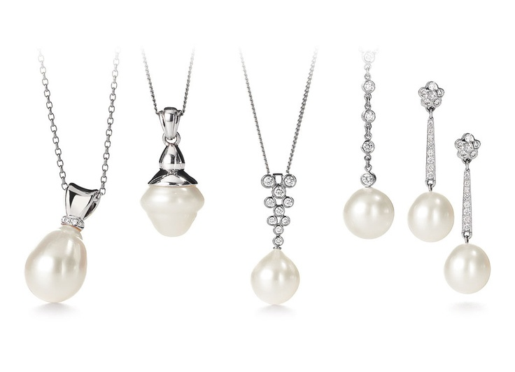 White Australian pearl jewelry from Giulians Jewellery at the Four Seasons Hotel Sydney