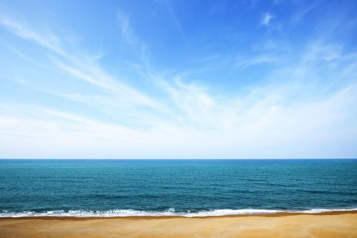 Que tu estado de ánimo no se contagie por este tiempo... Muy pronto llegará Oleaje Playa Granada.