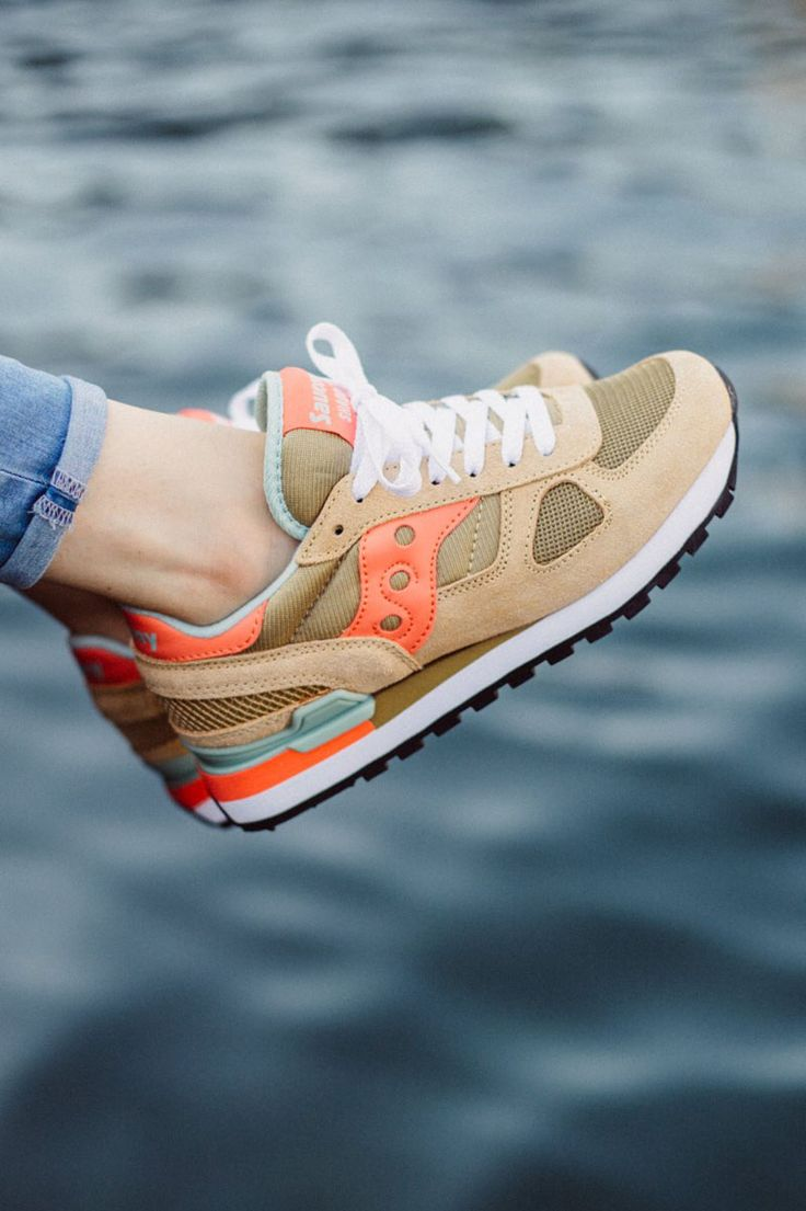 saucony shadow women