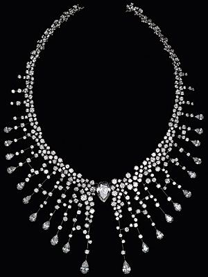Chanel Fine Jewelry 18k white gold and diamond necklace