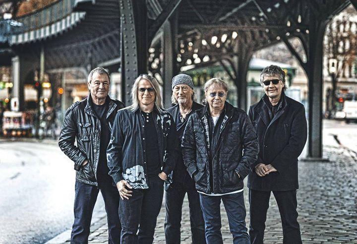 """Легендарные британские рокеры Deep Purple вошли в Зал славы рок-н-ролла. Также данную организацию пополнили такие известные музыканты как Cheap Trick Chicago реперы N. W. A. и блюз-гитарист Стив Миллер. Для включения исполнителя или группы в Зал славы необходимо чтобы с момента выхода их первой записи прошло как минимум 25 лет.  """"Новички"""" 2016 года уникальным образом связаны между собой. Например Cheap Trick играли с Deep Purple в 1970-х Стив Миллер некогда выступал на разогреве у Chicago а…"""
