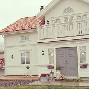Bildresultat för lantliga hus
