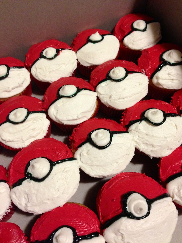 These Would Be Easy To Do Pokey Ball Pokemon Cupcakes