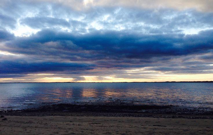 21. marts 2015. Blå skyer over Knud Strand